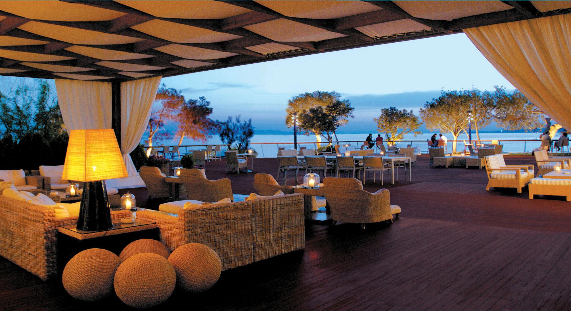 Bar in Athens Veranda   Grand Resort Lagonissi
